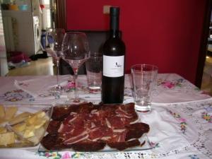 Compañeros del jamón: el vino